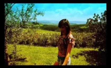 Amici, Simonetta Spiri: il videoclip di Passa anche l'estate