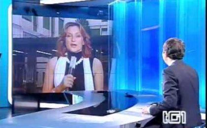 """Gabriele Paolini, nuovo blitz al Tg1 al grido """"Berlusconi pedofilo!"""""""