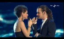 Sanremo 2010, il duetto Valerio Scanu - Alessandra Amoroso (video)