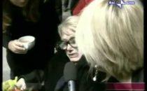 Sandra Mondaini, lultima intervista e le lacrime di Maria De Filippi a Cè Posta per Te
