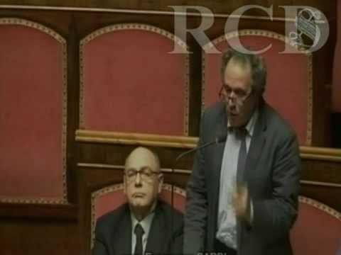 """Video Pardi vs Berlusconi: """"Dal premier retorica fallocratica"""""""