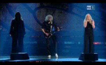 Sanremo 2012: Brian May strega il pubblico, momento imperdibile