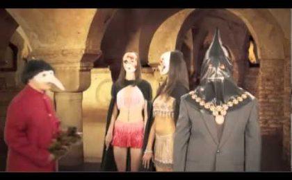 Sky, Corrado Guzzanti canta Venditti nella sigla di Aniene: il video in anteprima