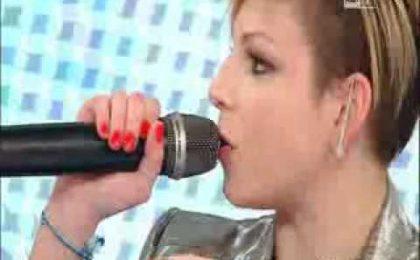 Emma a L'Arena: Maria De Filippi telefona in diretta