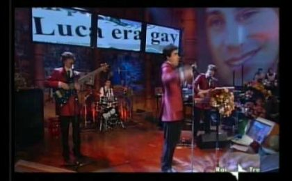 Luca era Gay, la parodia di Elio e le Storie Tese