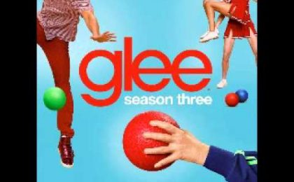 Glee tocca i 32 milioni di download digitali; Finn, Rachel & co come Katy Perry e Lady Gaga [VIDEO]