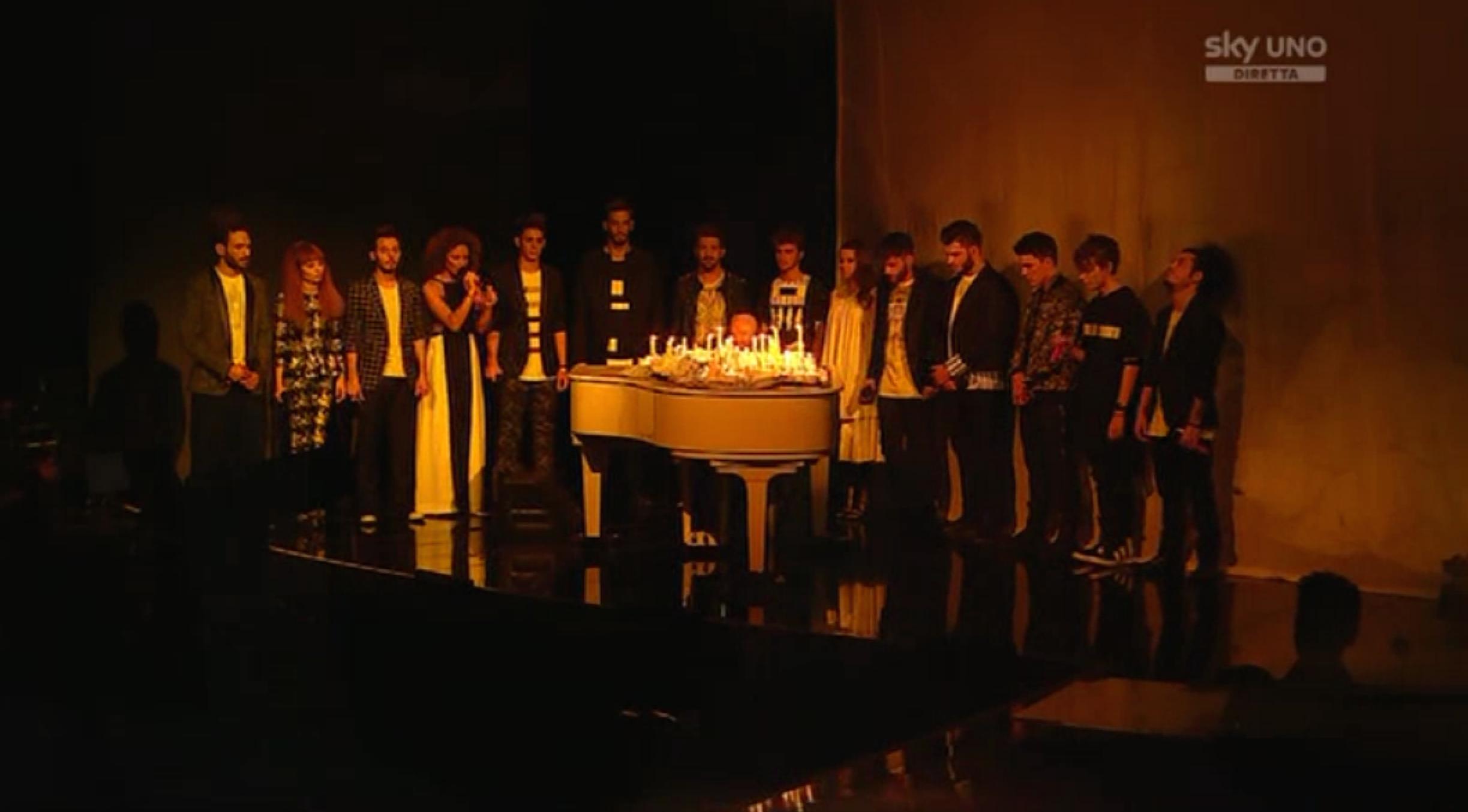 1 L'apertura del quinto Live Show