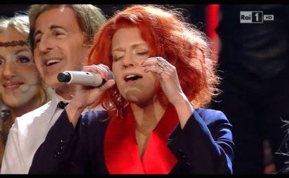 Tale e Quale Show 5, decima puntata 11 novembre in diretta: Bianca Guaccero imita Noemi e vince [LIVE]