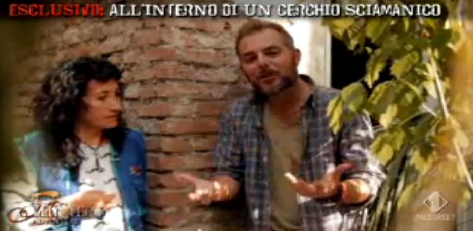 Daniele Bossari con la ricercatrice Nancy