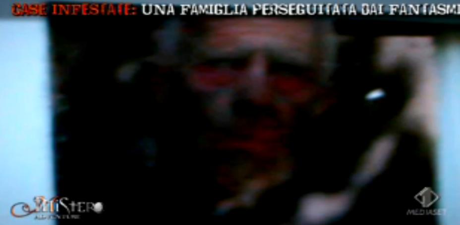 Famiglia perseguitata dai fantasmi