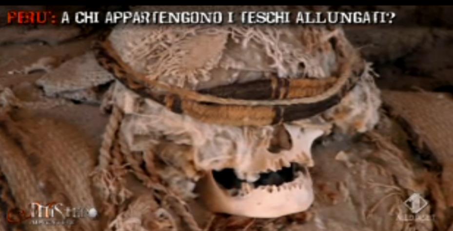 I teschi allungati nella necropoli di Nazca