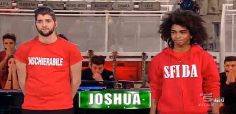 Joshua entra nella scuola, Metrò eliminati