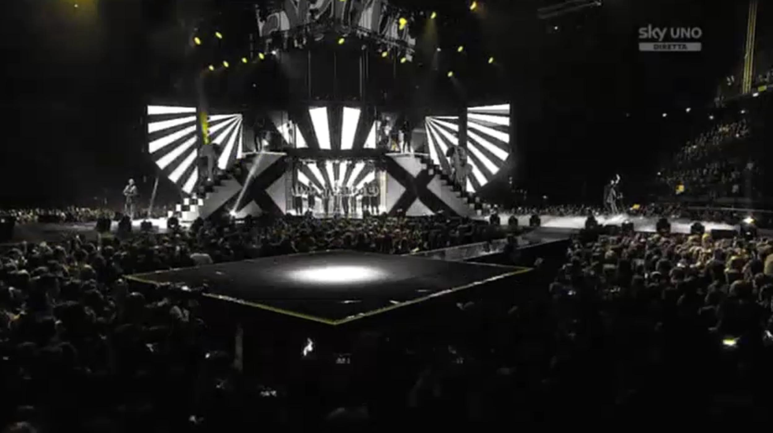 L'opening della Finale di X Factor