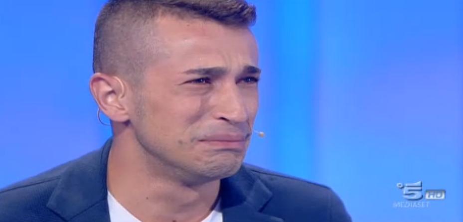 Pasquale piange alla vista del padre
