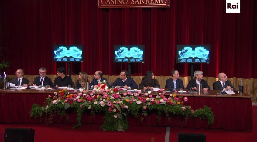 Prime immagini scenografia Festival di Sanremo 2016
