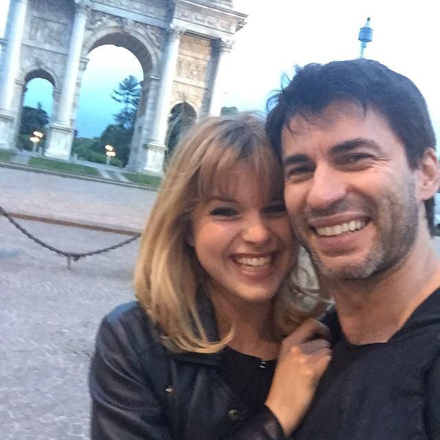 Kledi Kadiu è diventato papà: è nata Léa, la figlia del ballerino e di Charlotte Lazzari