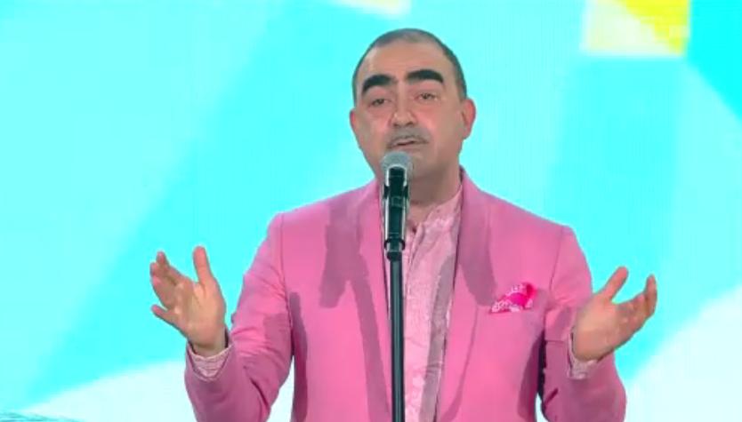 Elio in rosa a Sanremo