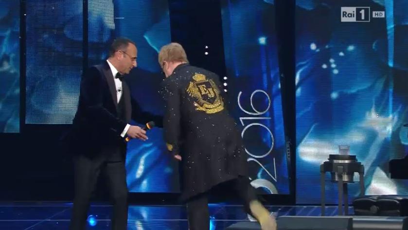 Elton John rischia di cadere a Sanremo 2016