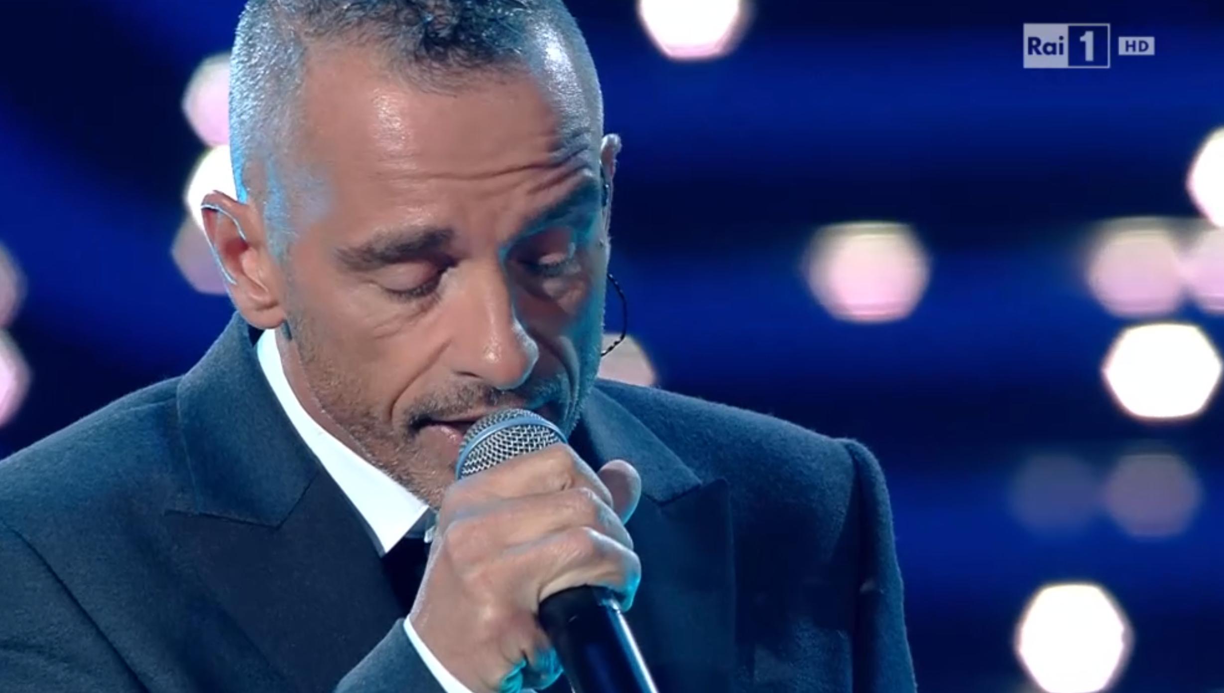 Eros Ramazzotti canta a Sanremo 2016