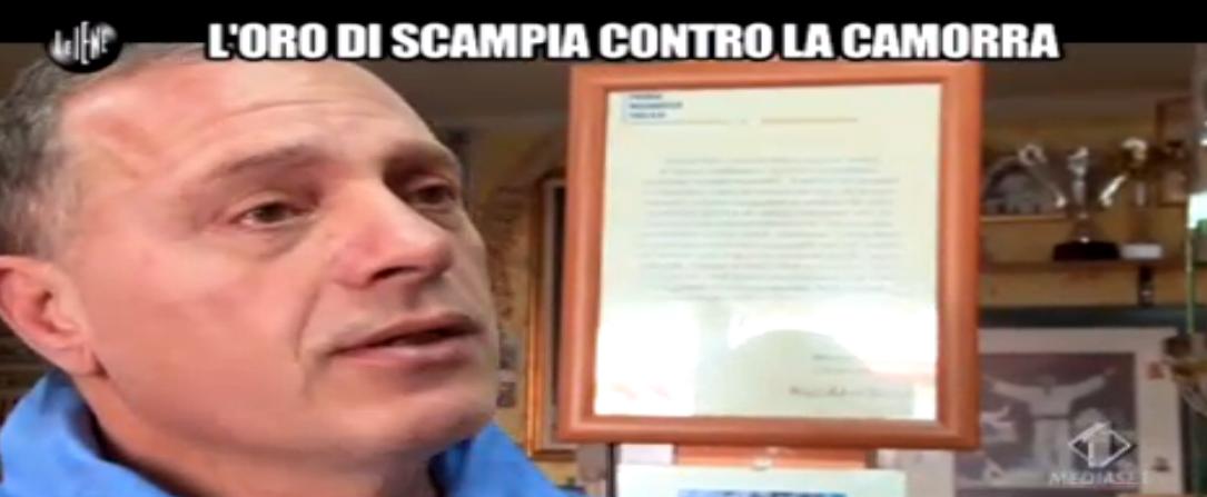 Giulio Golia intervista il titolare della palestra Maddaloni