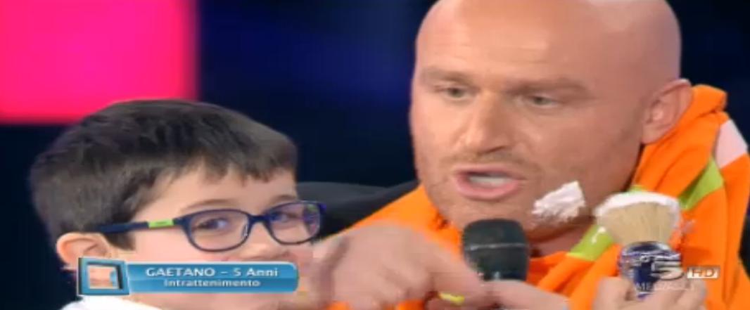 Il piccolo Gaetano fa la barba a Rudy Zerbi