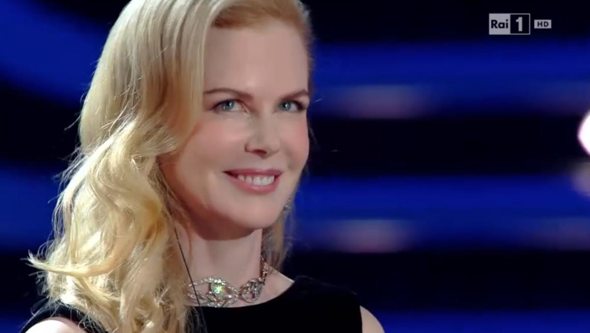 Mazzi Di Fiori Sanremo 2016.Nicole Kidman Al Festival Di Sanremo 2016 Zucchero E Il Mio