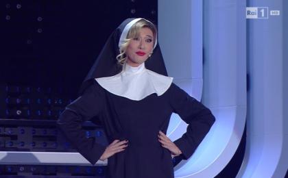 """Virginia Raffaele imita Belén Rodriguez a Sanremo 2016: """"Sono l'eccellenza di questo palco"""""""