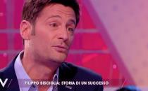 Temptation Island, il conduttore Filippo Bisciglia risponde alle critiche: Sono migliorato