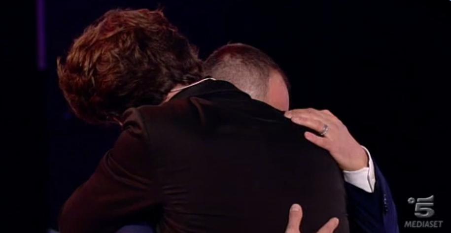 Francesco e Matteo, l'abbraccio finale a C'è posta per te