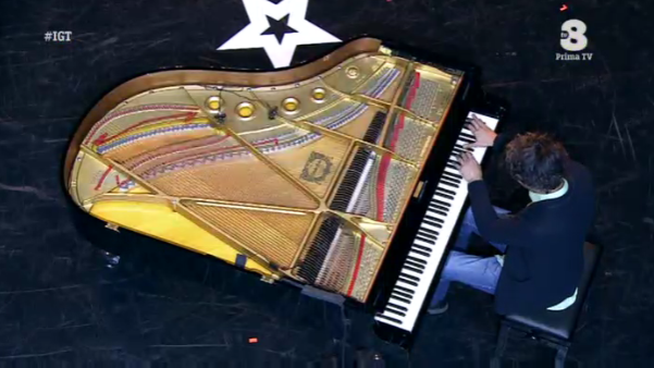 Ivan Dalia suona il piano a Italia's got talent
