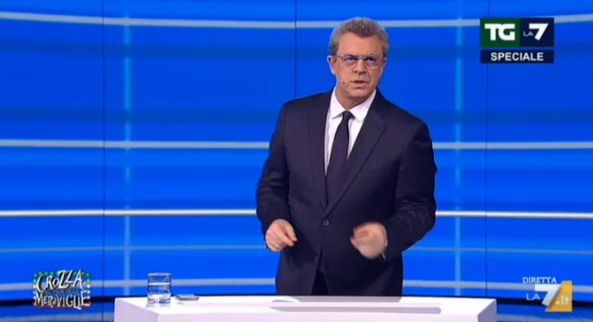 Maurizio Crozza imita Mentana nella puntata dell'11 marzo