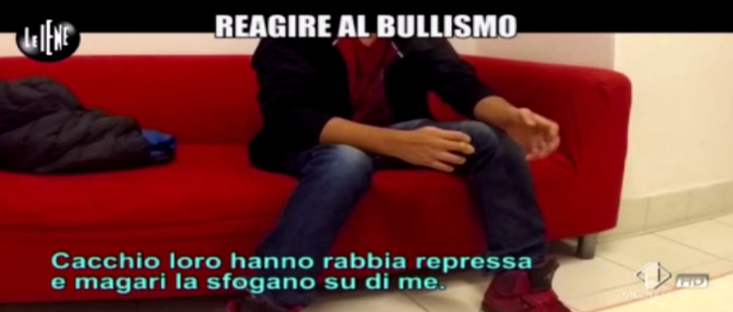 Vittima di bullismo, l'intervista di Matteo Viviani