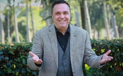 """Gabriele Cirilli a Televisionando: """"Eccezionale Veramente il Sanremo della comicità"""" [INTERVISTA]"""
