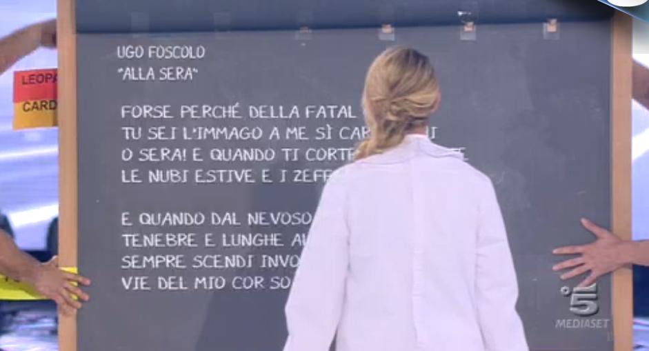 Amici, Emma deve memorizzare Ugo Foscolo