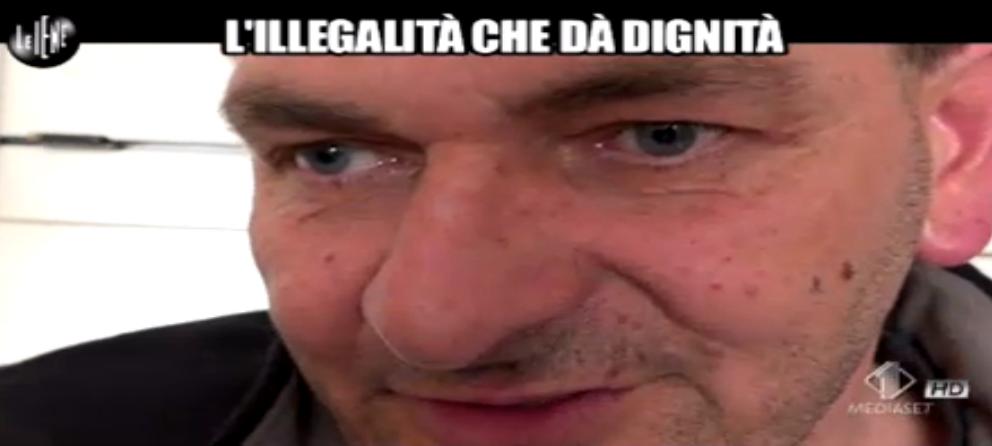 Andrea Agresti, L'illegalità che dà dignità