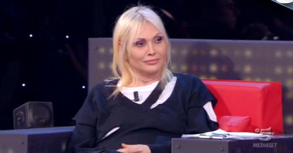 Anna Oxa critica i direttori artistici ad Amici 15, ore 22.20