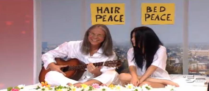 Ciao Darwin, concorrente scambia Lennon Ono per Sandra Raimondo