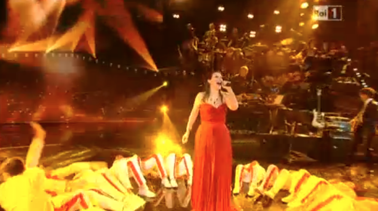 Laura Pausini canta Io Canto