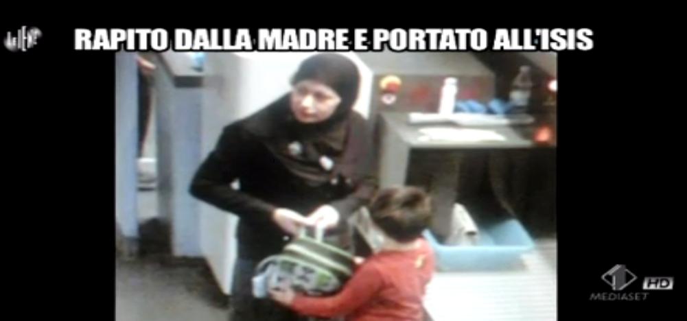 Luigi Pelazza, Rapito dalla madre e portato all'Isis