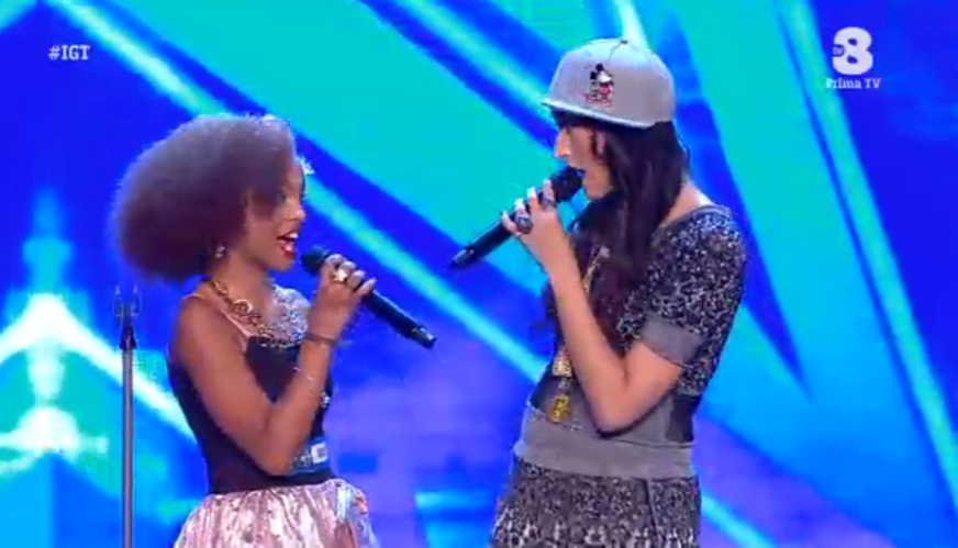 Nina Zilli canta con Federica, una sua fan