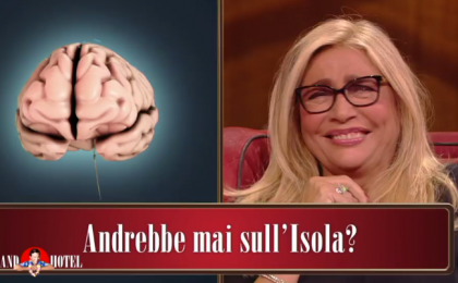 Mara Venier: l'intervista doppia col suo cervello al Grand Hotel Chiambretti