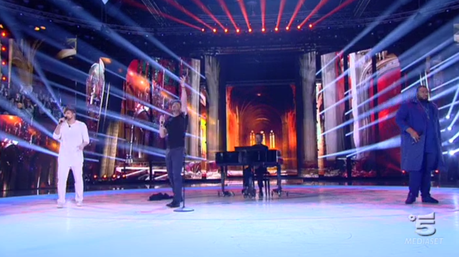 Vittorio Grigolo canta con Daniele de La Rua e Sergio ad Amici