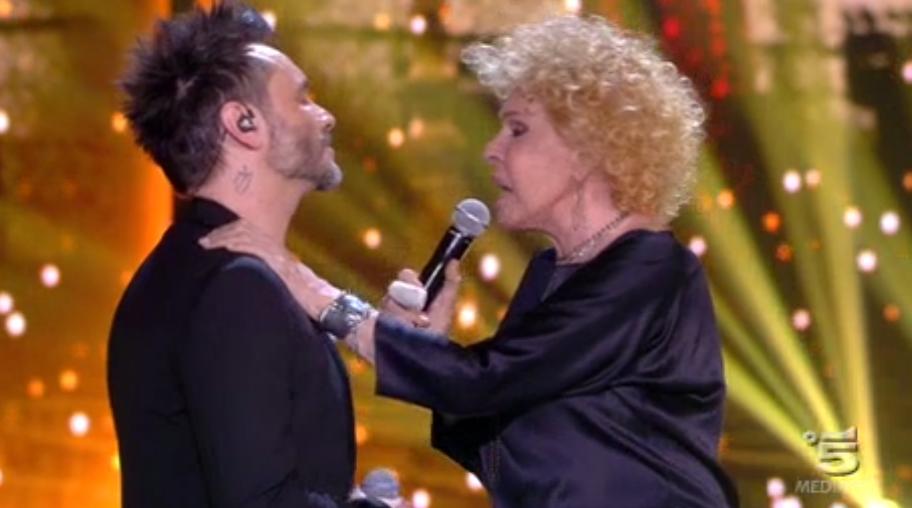 12 Nek e Ornella Vanoni cantano L'appuntamento ad Amici 15