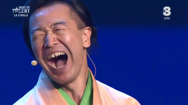 15 Il concorrente giapponese Senmaru durante la finale