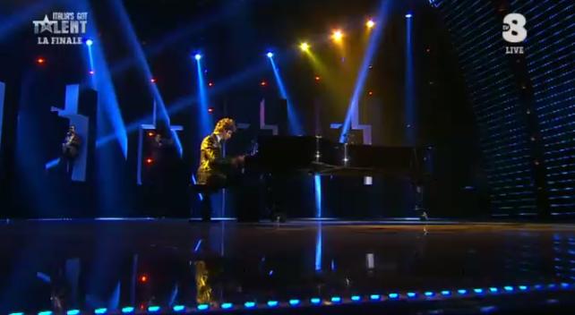 49 Ivan Dalia suona il piano a 'Got talent 2016
