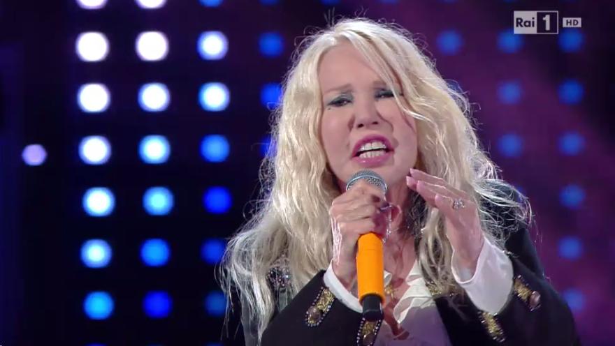 9 Ivana Spagna canta Gente come noi a I migliori anni