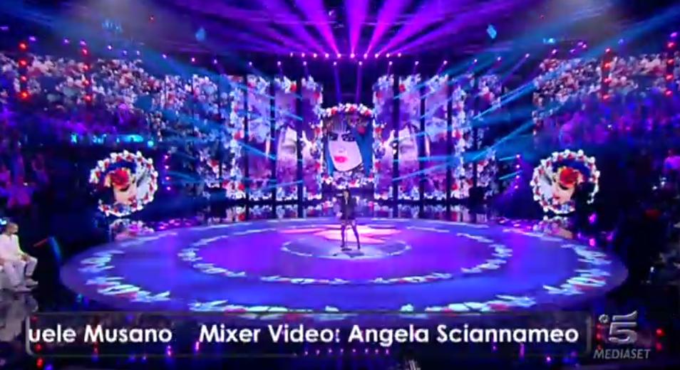 Loredana Bertè canta E' andata così sul finale della sesta puntata di Amici 15