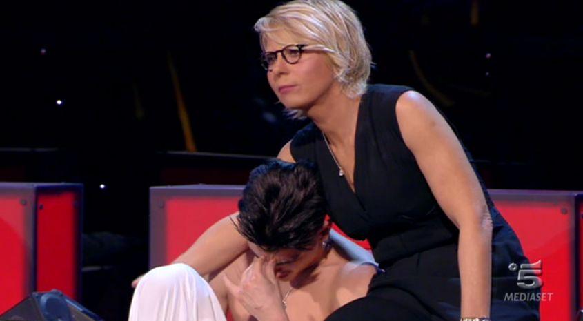 Maria De Filippi consola Alessio eliminato