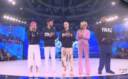 Amici Serale: la semifinale del 18 maggio 2016 in diretta live