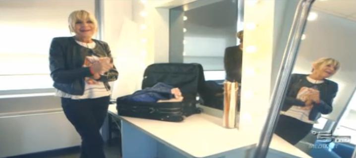 Gemma tiene il pigiama di Giorgio